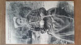 La Roche-maurice.dentellière.coiffe Costume. Hamonic N ° 1705 - La Roche-Maurice