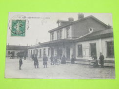 02 Aisne CPA Carte Postale Ancienne - CHATEAU THIERRY - Gare - Animation - Chateau Thierry