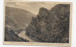 (RECTO / VERSO) LE ROC SARLAT - FLAMME DAGUIN - CARTE LEGEREMENT ABIMEE - CPA VOYAGEE - France