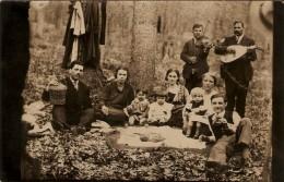 Focsani  - Petrecere, Lautari In Crang - Gypsy Musicians - Rumania