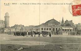 19 - 280816 - BRIVE - Le Théâtre Et Le Château D'eau - Les Bleus à L'exercice Au Mois De Novembre - Militaria - Brive La Gaillarde