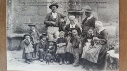 Familles De Saint-herbot.études Des Différents Costumes.Villard N ° 1032 - Plonevez-du-Faou
