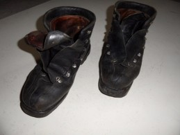 Brodequins De Chasseur Alpin,chaussures De Ski,troupes De Montagne En Algérie. - Equipement