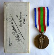 MEDAILLE DES CHEMINS DE FER 1941 Bronze  Avec Boîte - Graveur P.M. Dammann - Francia