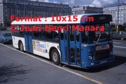 Photographie D´un Ancien Bus Saviem SC10 Avec Publicités Meubles Lepage Et Jean Richou à Brest En 1977 - Reproductions