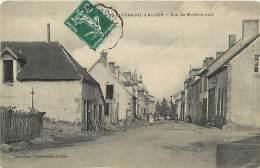 - Depts Div.-ref-JJ569- Allier - Villefranche D Allier - Rue De Montmarault - Petit Plan Hotel - Hotels - Carte Bon Etat - France