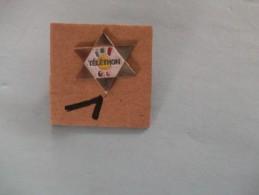 PIN´S -  TELETHON - Logo Et Etoile  - Voir Photo ( 1 ) - Associations