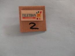 PIN´S -  TELETHON -  Telethon 97 Le  5 Et 6 Decembre 97  - Voir Photo ( 2 ) - Verenigingen