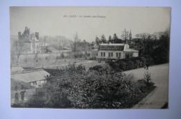 CPA 14 CALVADOS CAEN. Le Jardin Des Plantes. - Caen