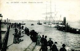 N°50359 -cpa Le Havre -entrée D'un Trois Mâts- Remorqueurs- - Remorqueurs