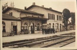 C.P.A. - Haut-Rhin - SIERENTZ - La Gare Et Les Employés Sur Le Quai - TBE - France