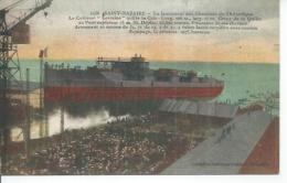 """1136 - SAINT-NAZAIRE - UN LANCEMENT AUX CHANTIERS DE L'ATLANTIQUE - LE CUIRASSE """" LORRAINE """" QUITTE ( BATEAU DE GUERRE ) - Guerre"""