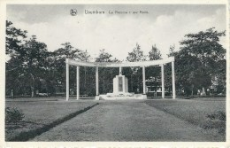 USUMBURA - CONGO BELGE : Le Monument Aux Morts - Burundi