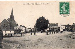Le Poiré Sur Vie : L'église Et Le Champ De Foire - Poiré-sur-Vie