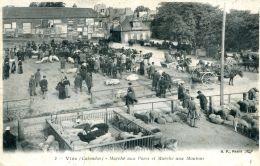 N°61 F -cpa Vire -marché Aux Porcs Et Marché Aux Moutons- - Markets