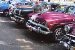 Chevrolet, Plymouth, Pontiac In Havanna, Cuba   -  CPM - Voitures De Tourisme