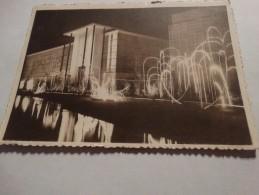 Exposition Internationale De Liège-1939-Un Palais De La Section Belge Et Les Jardins D'eau Illuminés. - Exposiciones