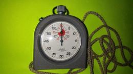 CHRONOMETRE - COLLET - Avec Sa Protection Caoutchoutée - NE FONCTIONNE PAS - Bijoux & Horlogerie