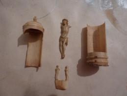 Ancien Objet Religieux Os Ou Ivoir Pour Pièces Détachées - Autres Collections