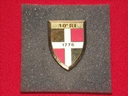 """Insignes Militaire """"10ème R.I. Infanterie"""" -  """"ENGINEER REGIMENT """" - Armée De Terre"""