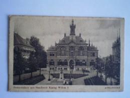 Apeldoorn // Gemeentehuis Met Standbeeld // Gelopen 1917 Militairpost - Apeldoorn