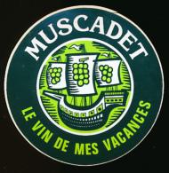 AUTOCOLLANT, STICKERS : MUSCADET, Le Vin De Mes Vacances, Boissons - Autocollants