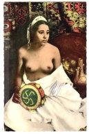 ALGERIE - SCENES ET TYPES - TYPES DE FEMME NORD-AFRICAINES  - SEINS NUS - Afrique Du Nord (Maghreb)