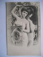 """CPA """"Jeune Femme Devant Un Miroir"""" - Women"""