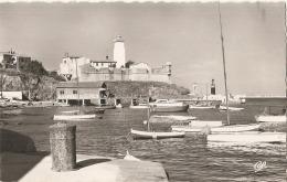 -66- PORT VENDRES  Les Yachts Et Le Sémaphore Timbrée TTBE
