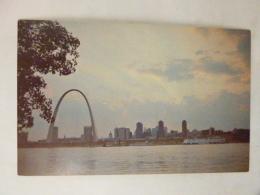 Gateway Arch - Jefferson National Expension Mémorial - St Louis – Missouri