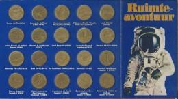 Ruimte-avontuur. 20 Penningen. Die Belangrijke Momenten Uit De Geschiedenis V D Lucht- En Ruimtevaart Tonen. SHELL. - Elongated Coins