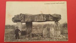 ST-FORT-SUR-LE-Né, Le Dolmen, Animée, (E. Renou), 16 Charente - France