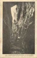 -ref- L889- Haute Savoie - Monnetier Saleve - Le Trou Du Diable (faille Exploree Jusqu'a 500 M ) - Speleologie - - Andere Gemeenten