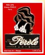 SUPER PIN´S MARQUE-PIN-UPS : Simone PERELE Paris, Marque De Sous-Vêtements Paris émail Base Or + Glaçage - Merken