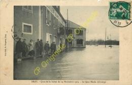 70. GRAY . Crue De La Saone 14 Novembre 1913 .  Quai Mavia Submergé . CPA Animée . - Gray