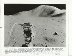 MOTORING ON THE MOON --   ASTRONAUT, SPACE FLIGHT TO MOON, APOLLO 15  --    PHOTO   25,2 Cm X 20,3 Cm - Aviation