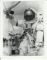 DAVID SCOTT  --   ASTRONAUT, SPACE FLIGHT TO MOON, APOLLO 15  --    PHOTO   25,2 Cm X 20,3 Cm - Aviation