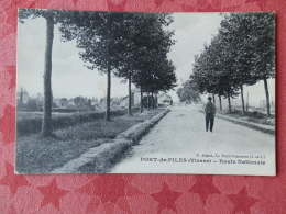 Dep 86 , Cpa PORT DE PILES , Route Nationale (1V.005) - Francia