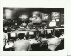 GROUND ACTION --    ASTRONAUT, SPACE FLIGHT TO MOON  --  PHOTO   25,4 Cm X 20,2 Cm  --  2 X SCAN - Aviation