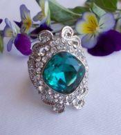 Anello Laminato In Argento  Con Cristallo Verde Smeraldo - Anelli