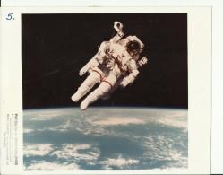 ASTRONAUT, SPACE FLIGHT TO MOON  --  PHOTO   25,4 Cm X 20,2 Cm  --  2 X SCAN - Aviation
