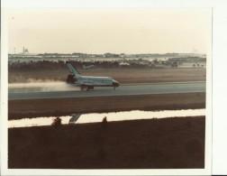 SHUTTLE CHALLENGER   --  ASTRONAUT, SPACE FLIGHT TO MOON  --  PHOTO   25,4 Cm X 20,2 Cm  --  2 X SCAN - Aviation