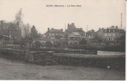 50 - DUCEY - Le Pont Neuf - Ducey