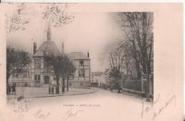 77  Chaumes Hotel De Ville - France
