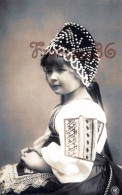 Jolie Petite Fille Fillette - Young Pretty Child Girl - Costume Mode - Portraits