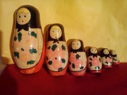 §PRIX REDUIT  A VOIR § POUPEE RUSSE GIGOGNE ANCIENNE EN BOIS  ! ! ! - Boxes