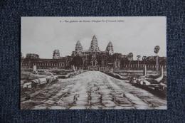 Vue Générale Des Ruines D'ANGKOR VAT ( Chaussée Dallée ). - Cambodge