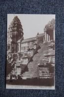 ANGKOR VAT , Grand Escalier Central, Plateforme Du 2ème étage. - Cambodge