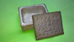 BOITE Pile Petit Beurre - CERAMIQUE G.DREYFUS - Lefèvre Utile - Biscuit LU - 1904 - Cajas