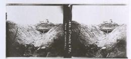 Guerre 1914-1918 Plaque De Verre Stéréo N°882 Sainte Marie A Py Tank Et Cadavres - Diapositivas De Vidrio
